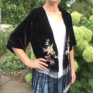 ABERCROMBIE & FITCH valarie black velvet kimono